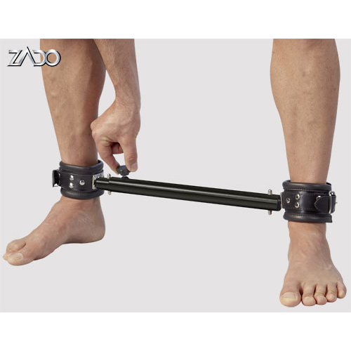 Spreizstange mit weichen Leder-Fußfesseln
